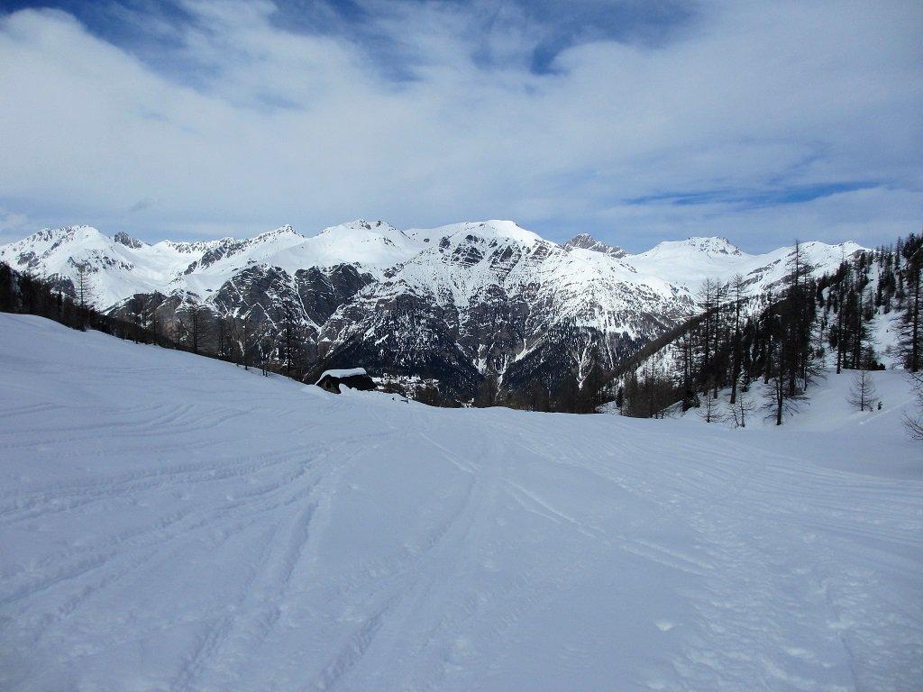 Dall' Oserot alla cima Piconiera, visti dalla grange Prati del Ciaval