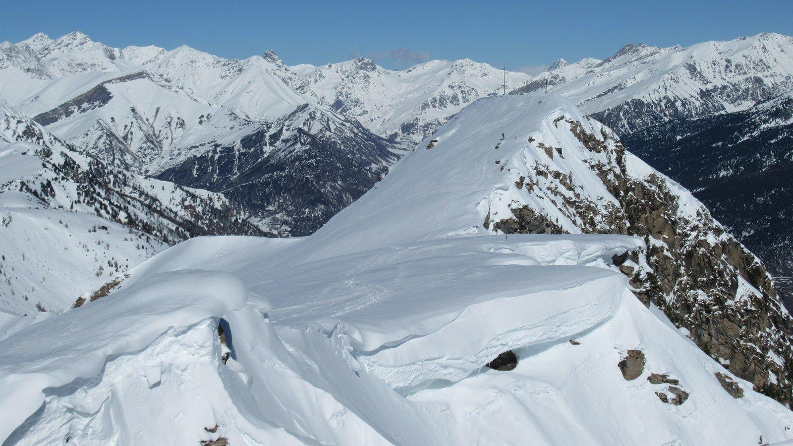 Dalla cresta verso la cima principale del Nebin