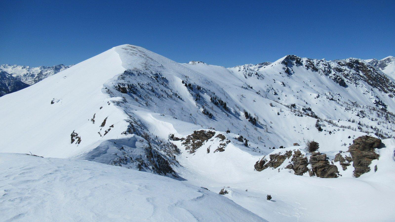 Tutta la cresta percorsa dalle due cime del Nebin (a ds)