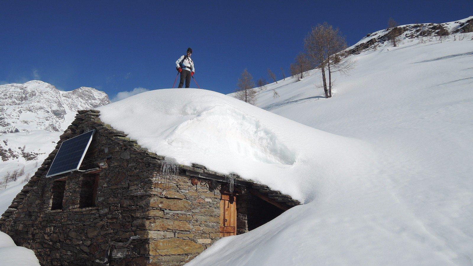 sul tetto dell'alpeggio