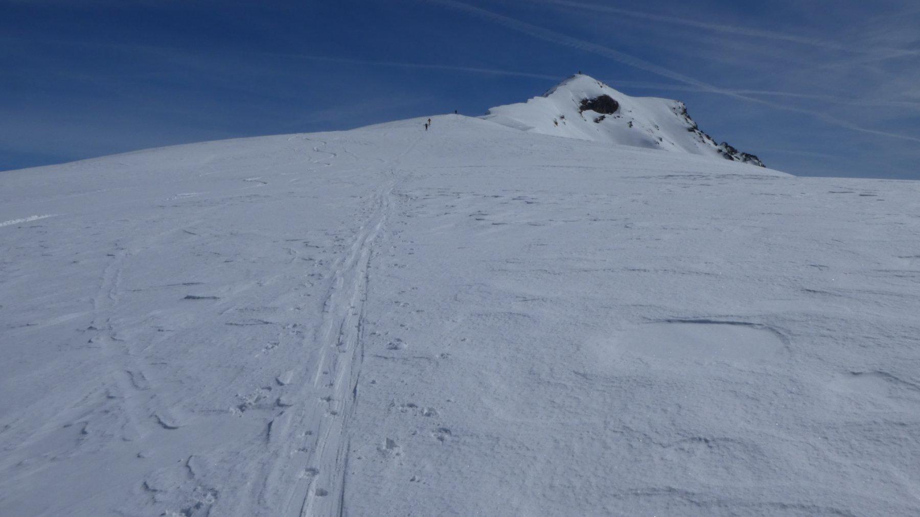 la parte intermedia dell'ampia cresta Ovest del Monte Zerbion