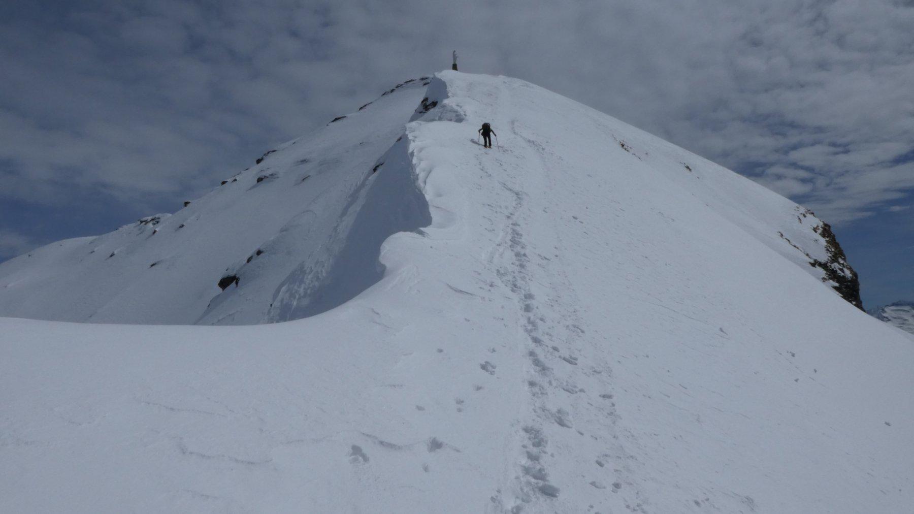 ultimo tratto della cresta prima di arrivare in cima