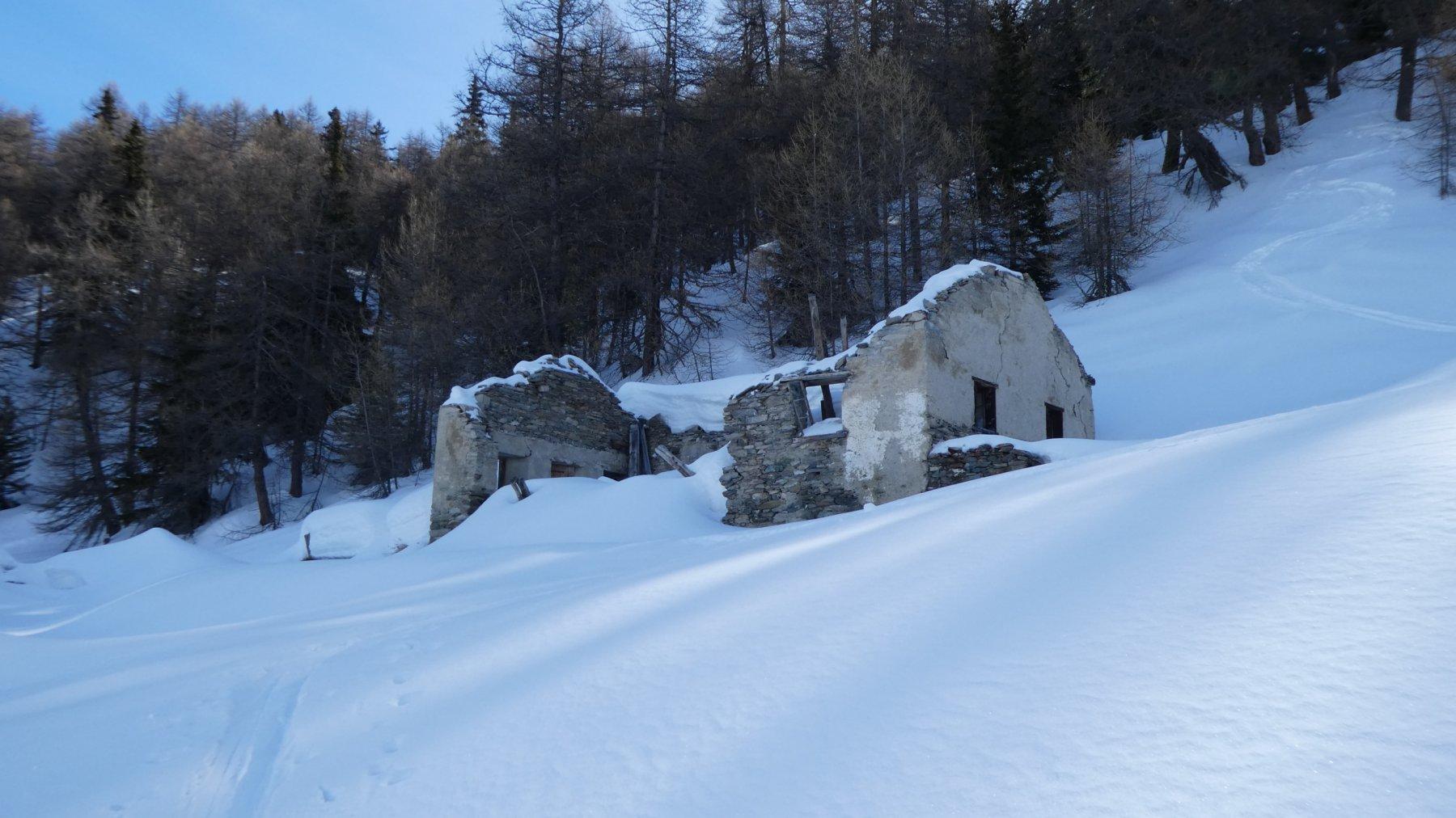 quello che rimane in piedi degli alpeggi Alpe Franquin