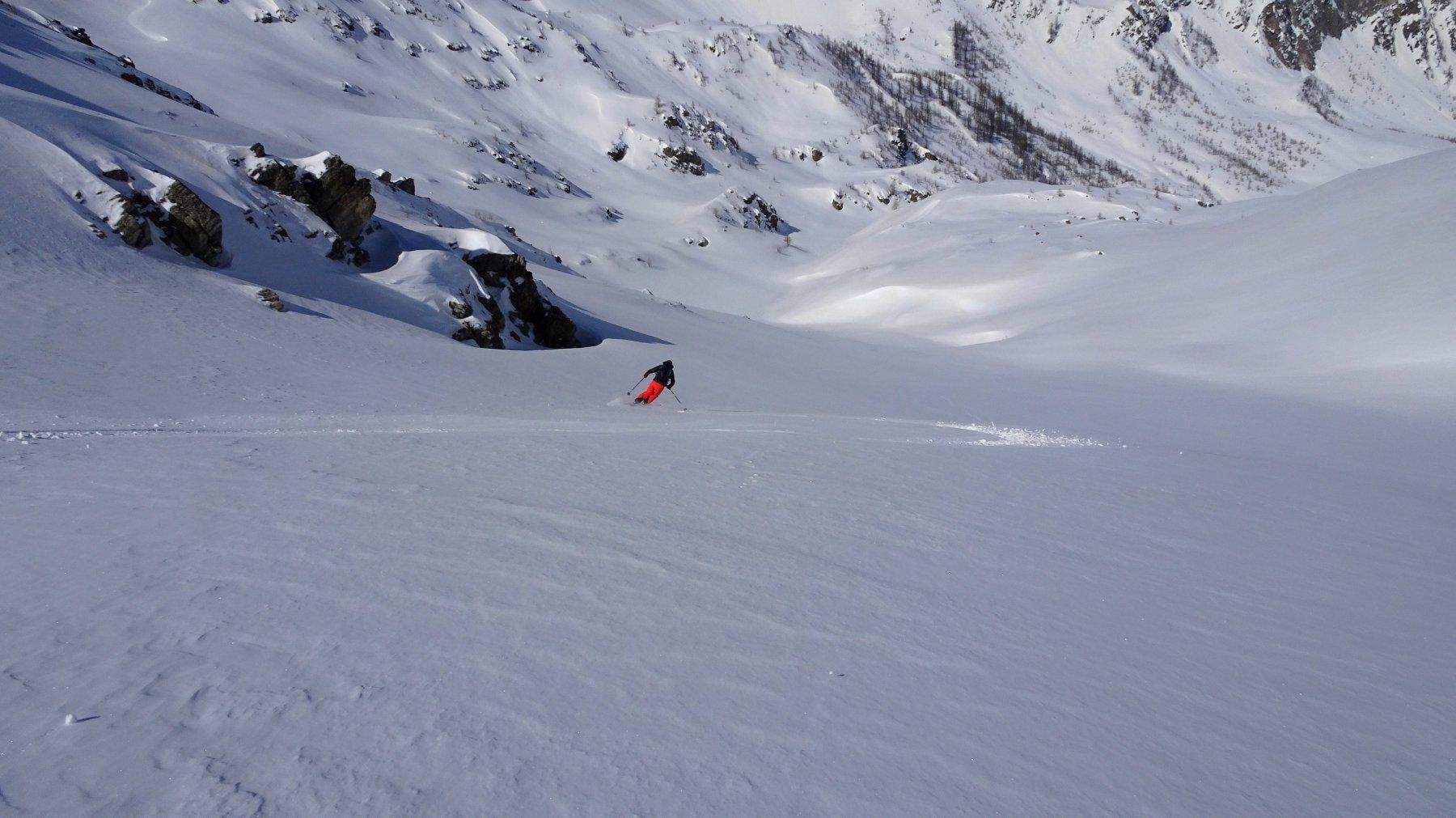 Parte alta , pendii intonsi con neve molto bella