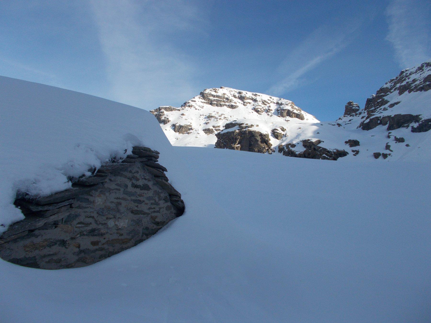abbondante innevamento alle alpi pian di Lee..di fronte al sole la Giardonera..
