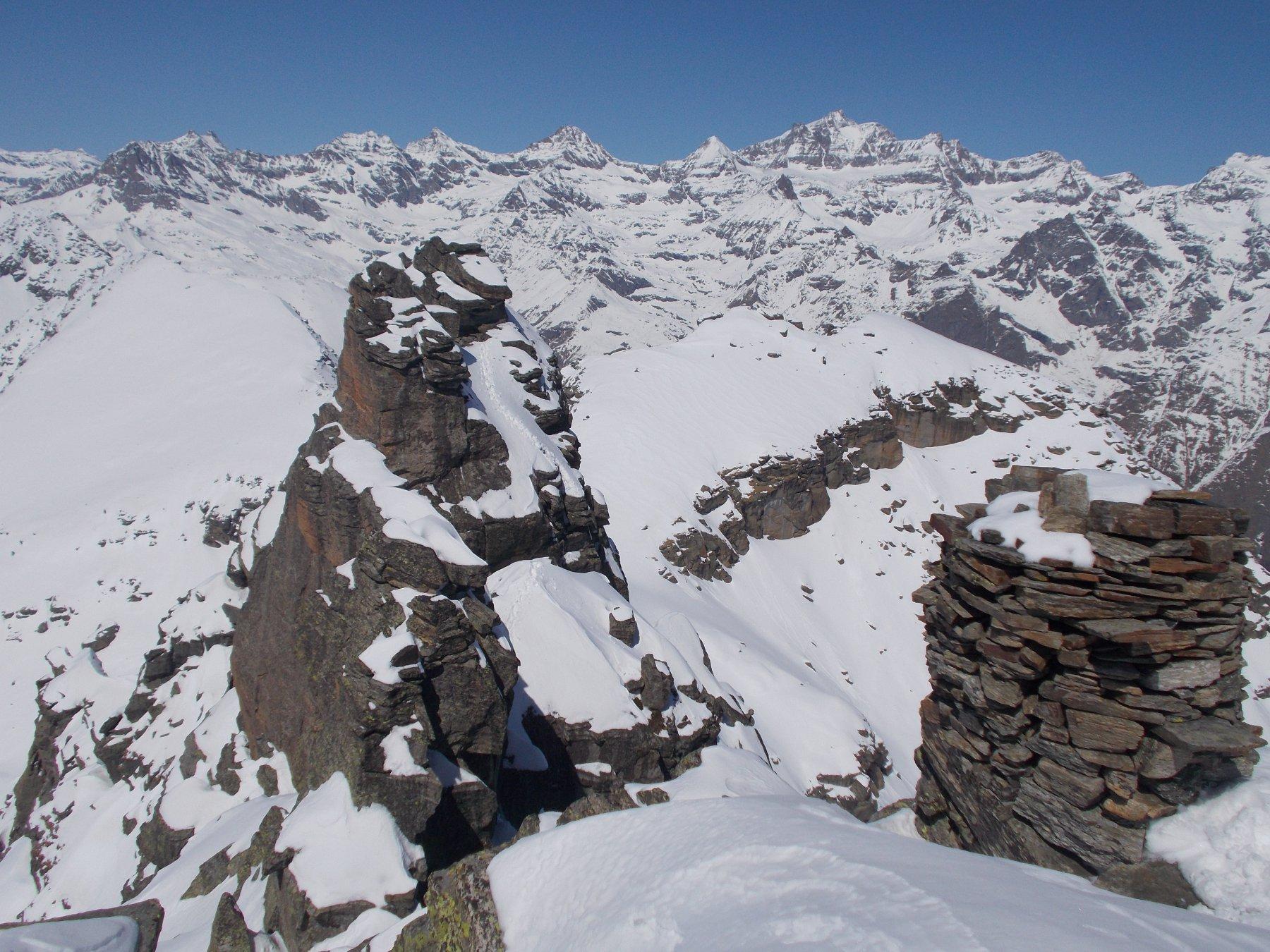 il torrione nord ovest appena salito..dalla cima escursionistica..