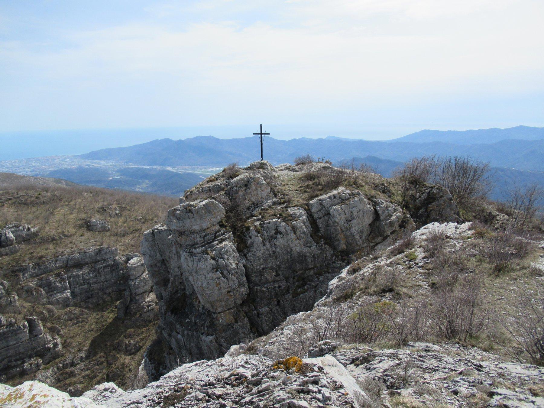 Monte Castell'Ermo (m.1094).