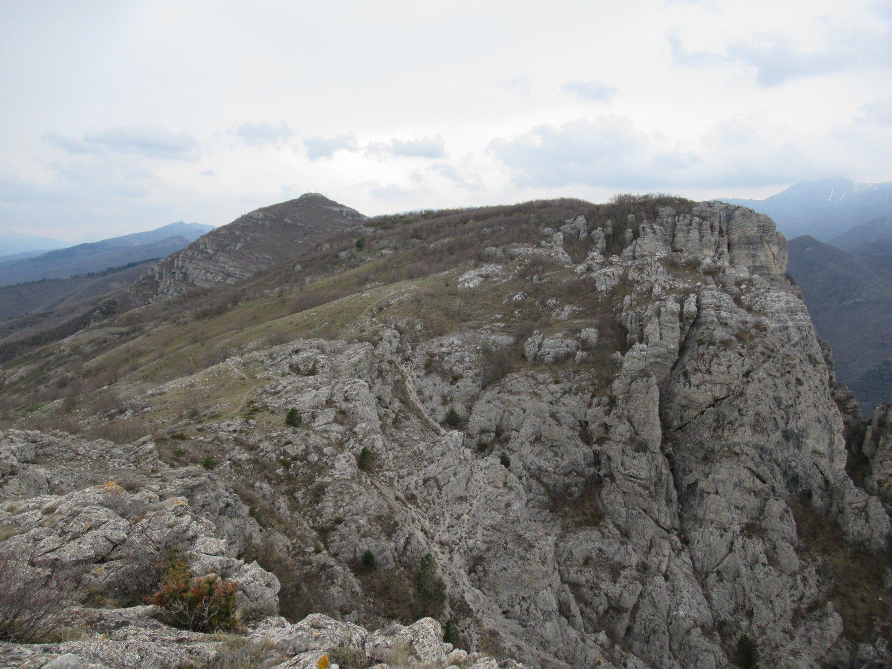 Monte Nero e Castell'Ermo dal Monte Pendjino.