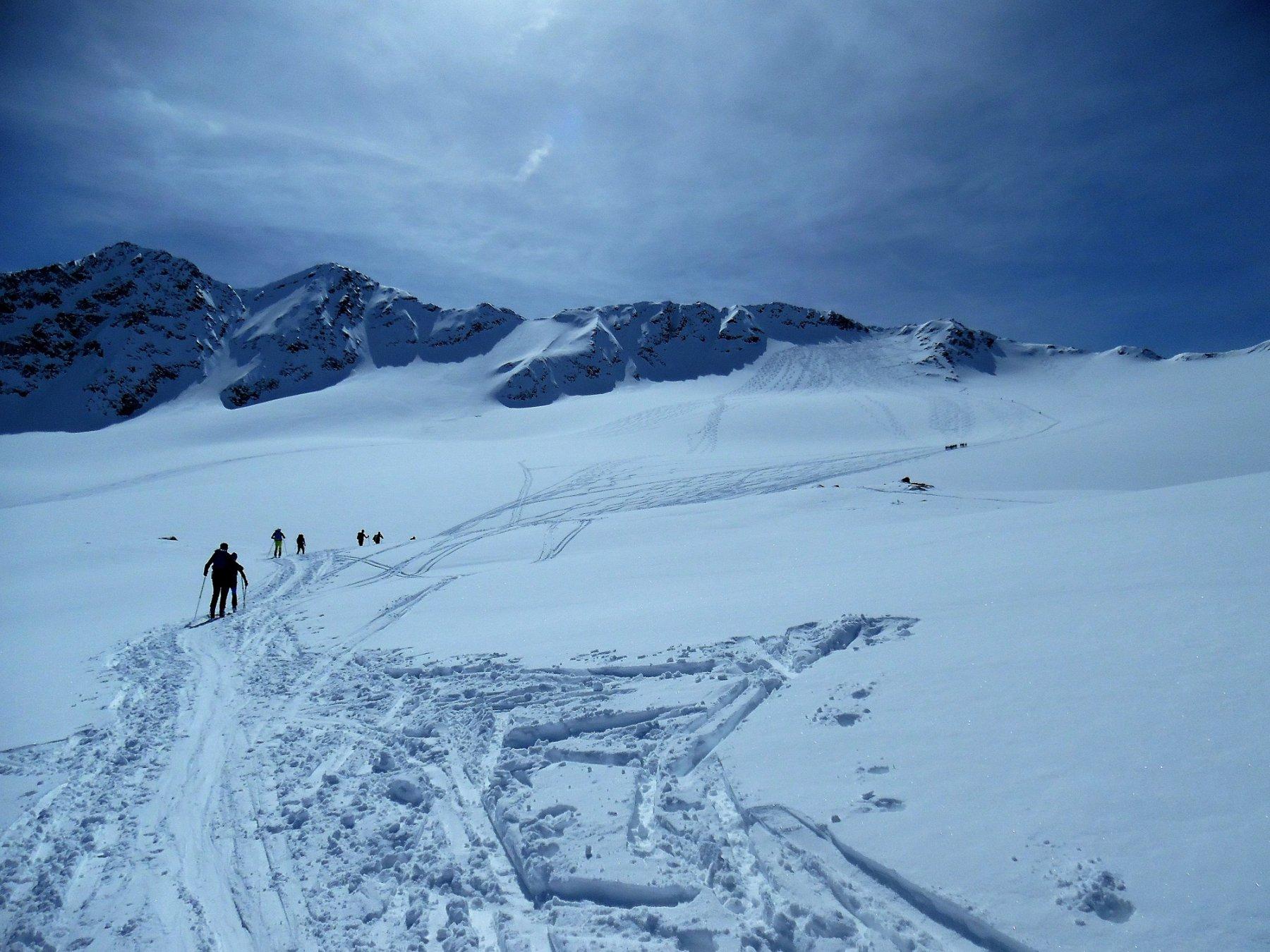 Su ghiacciaio. Verso la cima della Marmotta