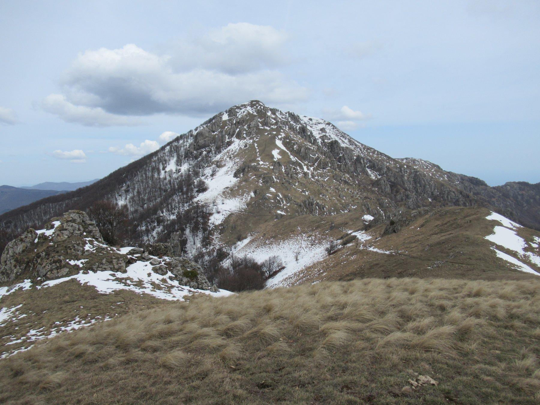 Il Monte Galero dalla dorsale di discesa.