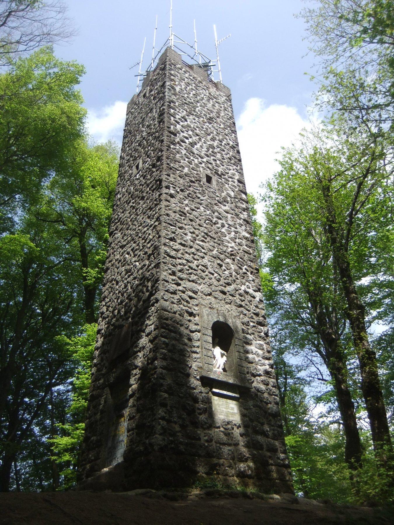 La torre sulla vetta