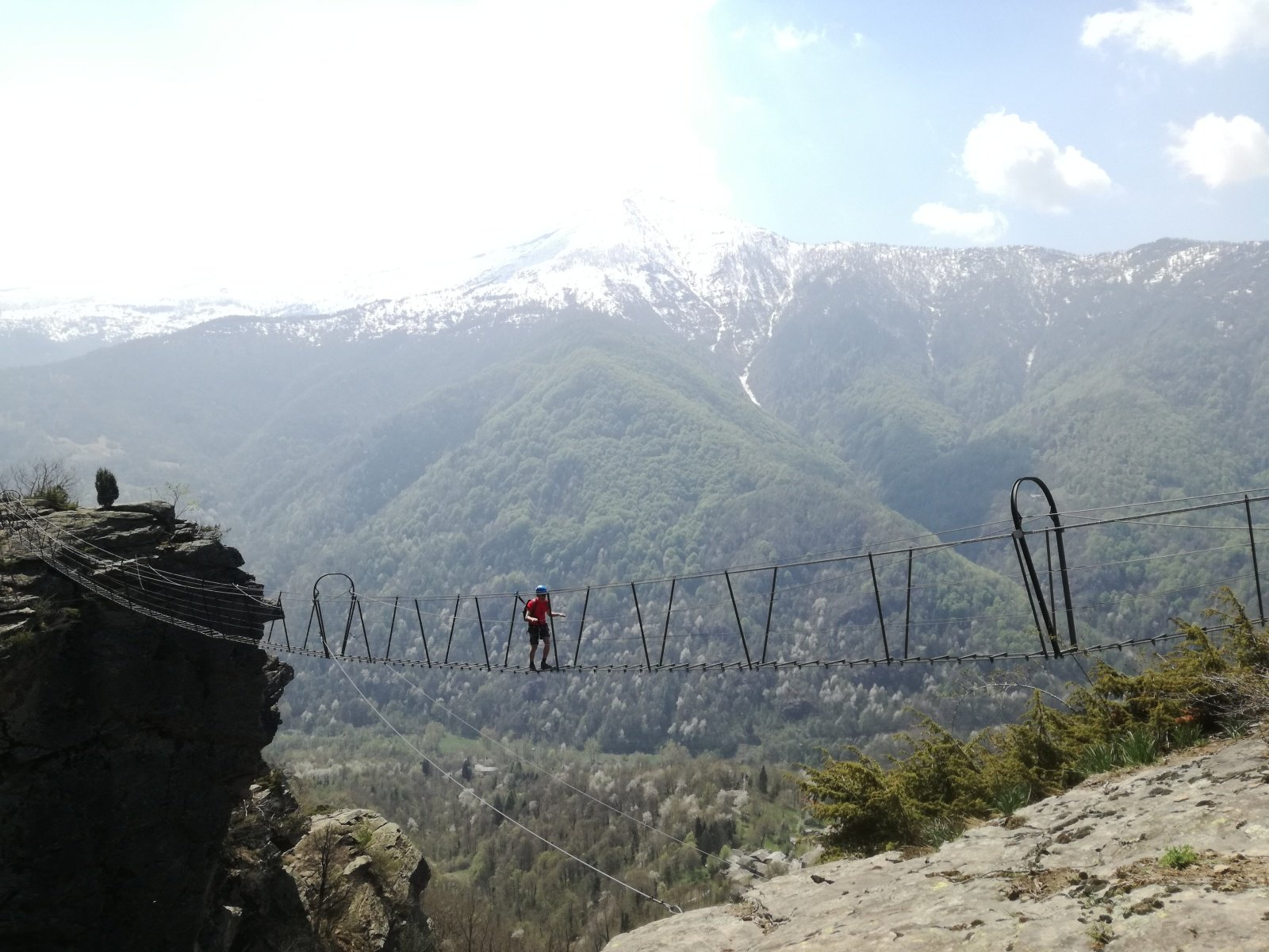 L'ultimo ponte, sullo sfondo il Birrone