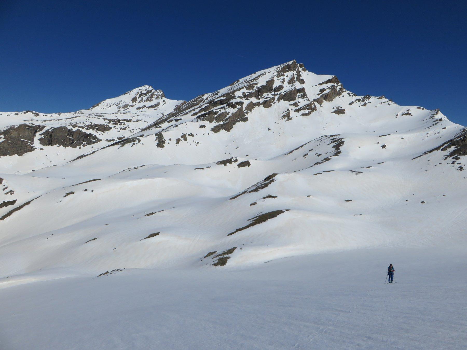 Mongioia e Salza visti durante la salita dell'ultimo pendio prima della cima