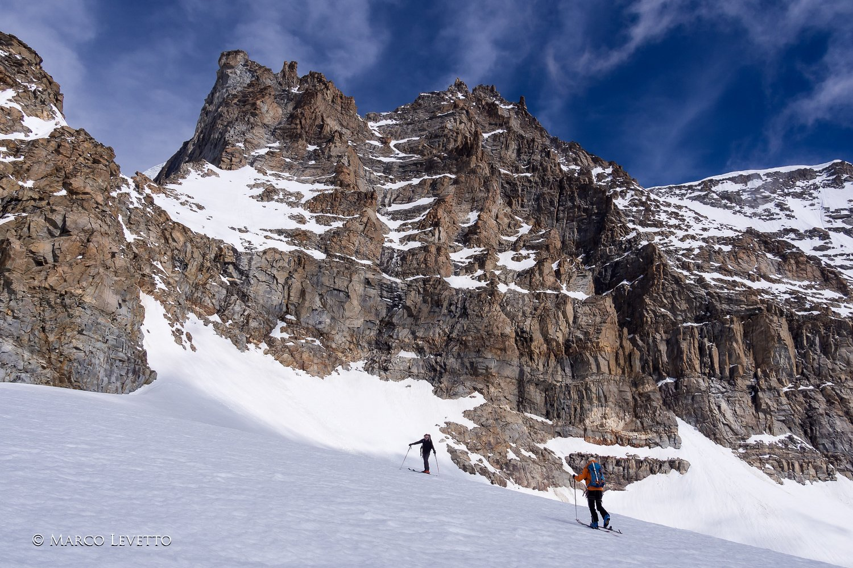 Il versante SE della Becca di Moncorvè dai pressi del Colle del Gran Paradiso