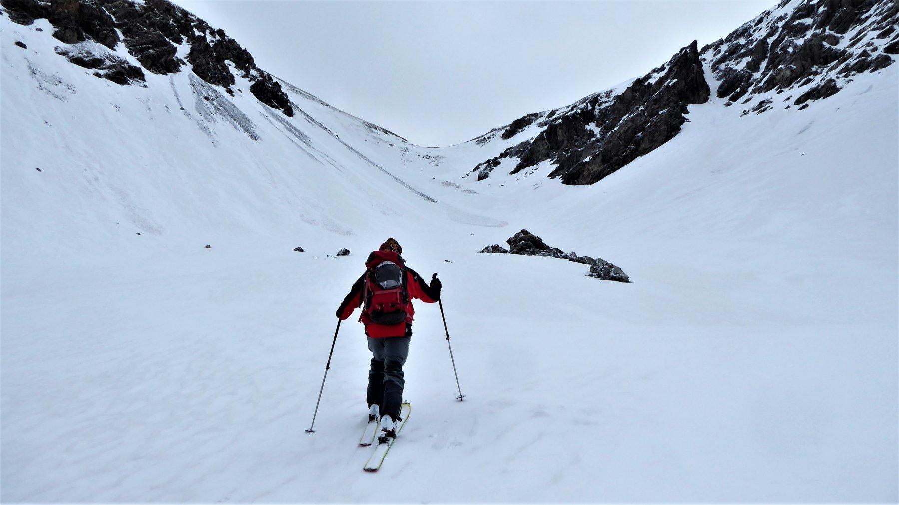 Nella valletta superiore, al fondo il Col de Prafouchier