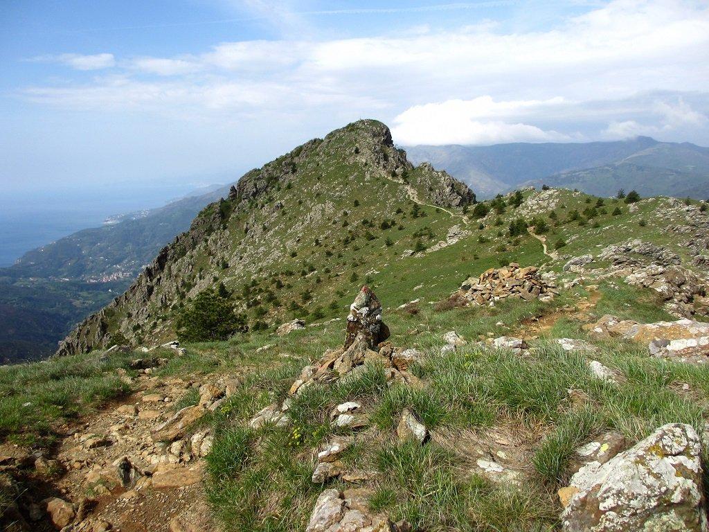 Martin (Punta) e Monte Penello da Camposilvano, anello per i monti Foscallo, Orologio, Sejeu, Proratado 2018-05-05