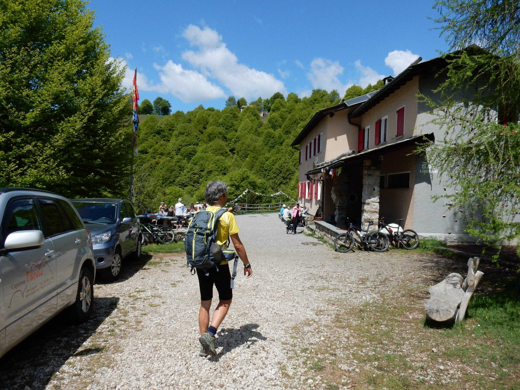 Arriviamo alla Capanna Pairolo 1344mt.