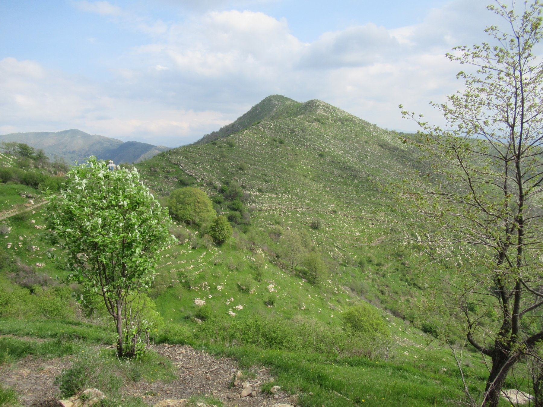 Il Monte Moro (m.1181) la prima cima di oggi.
