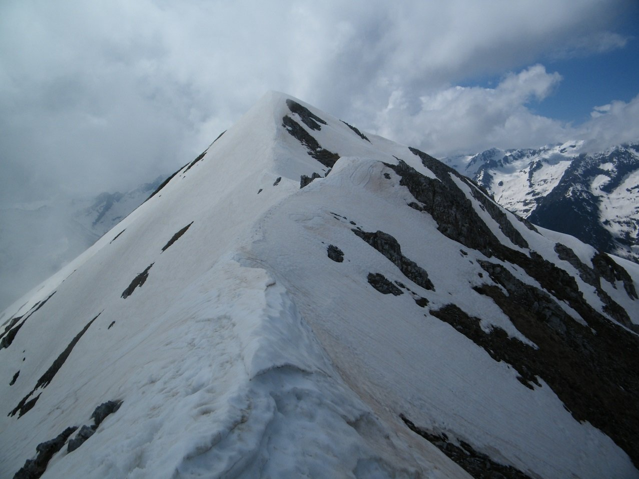 In cresta tra Bussaia ed Orel uno sguardo verso quest'ultima.