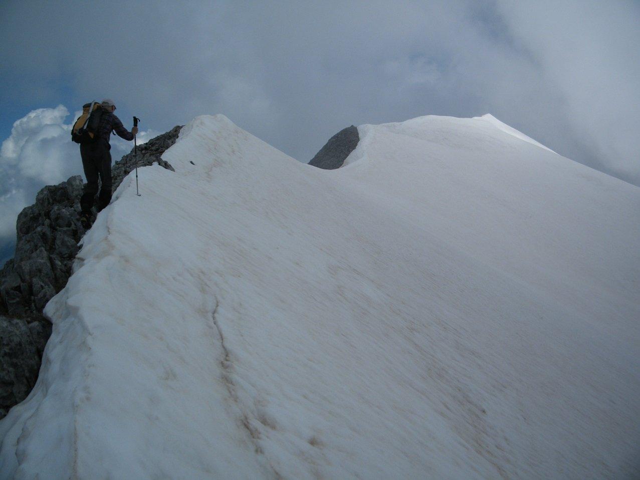 Sulla cresta verso la cima del M.te Bussaia.