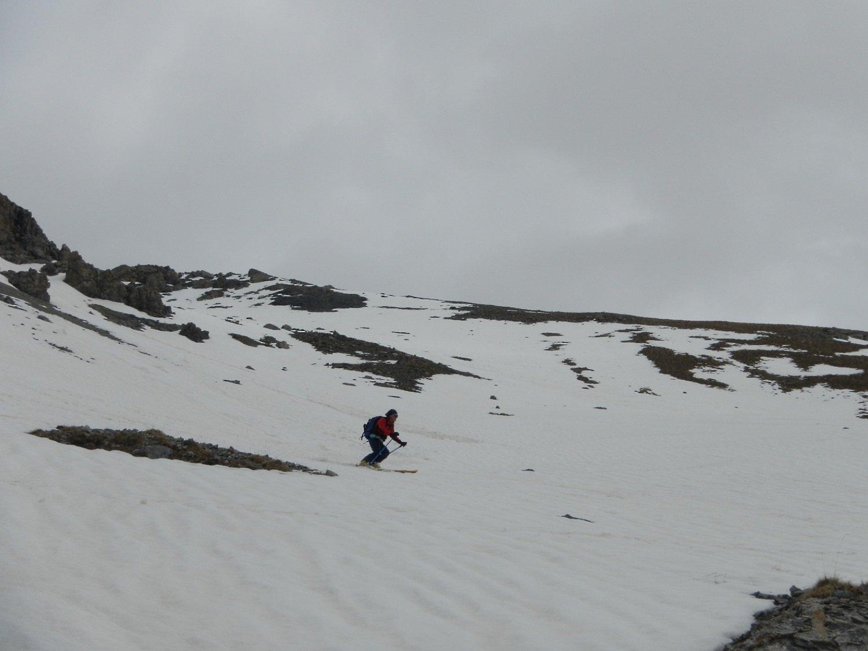 discesa su neve molto bagnata
