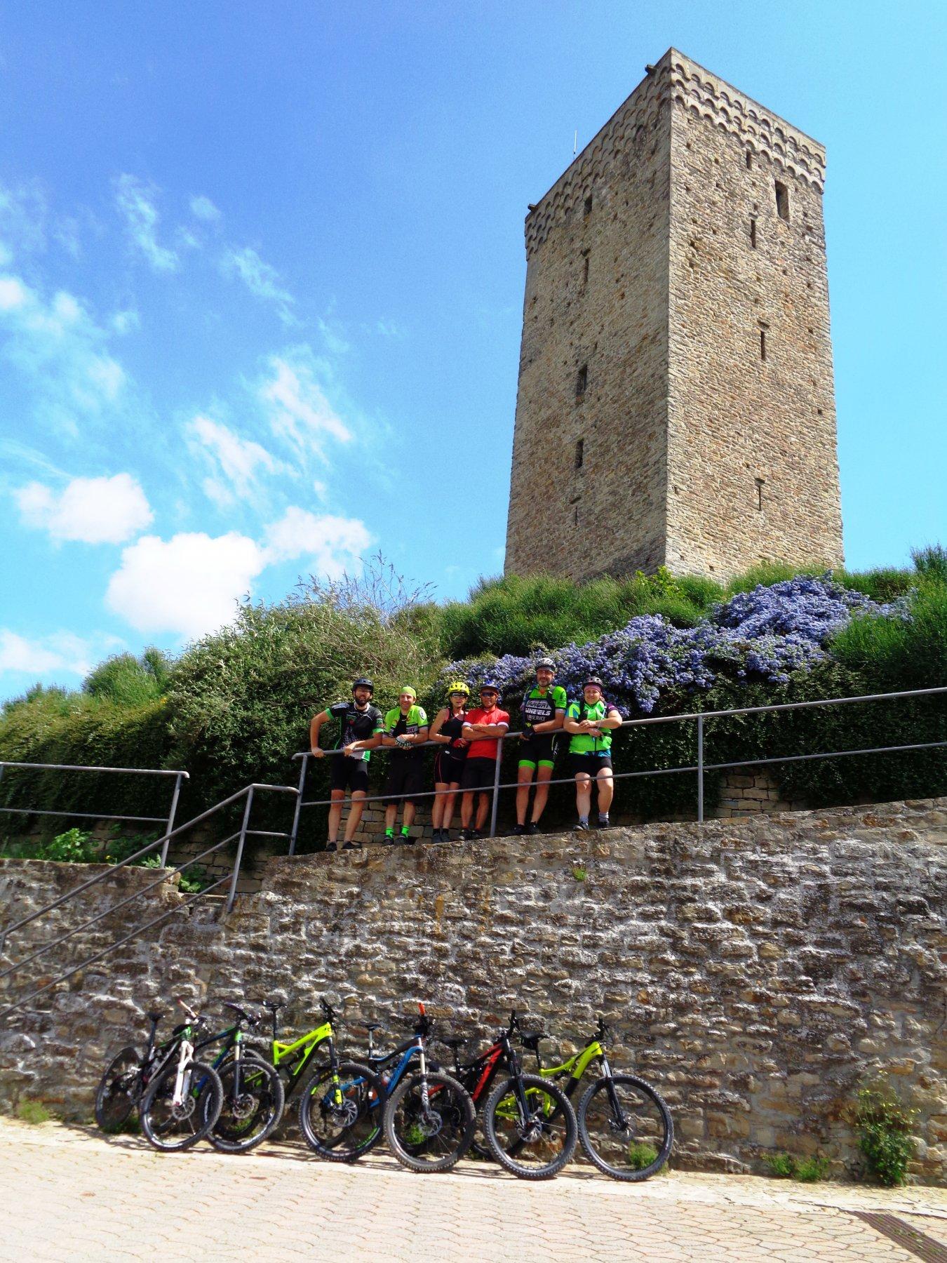 bikers e Torre di San Giorgio Scarampi