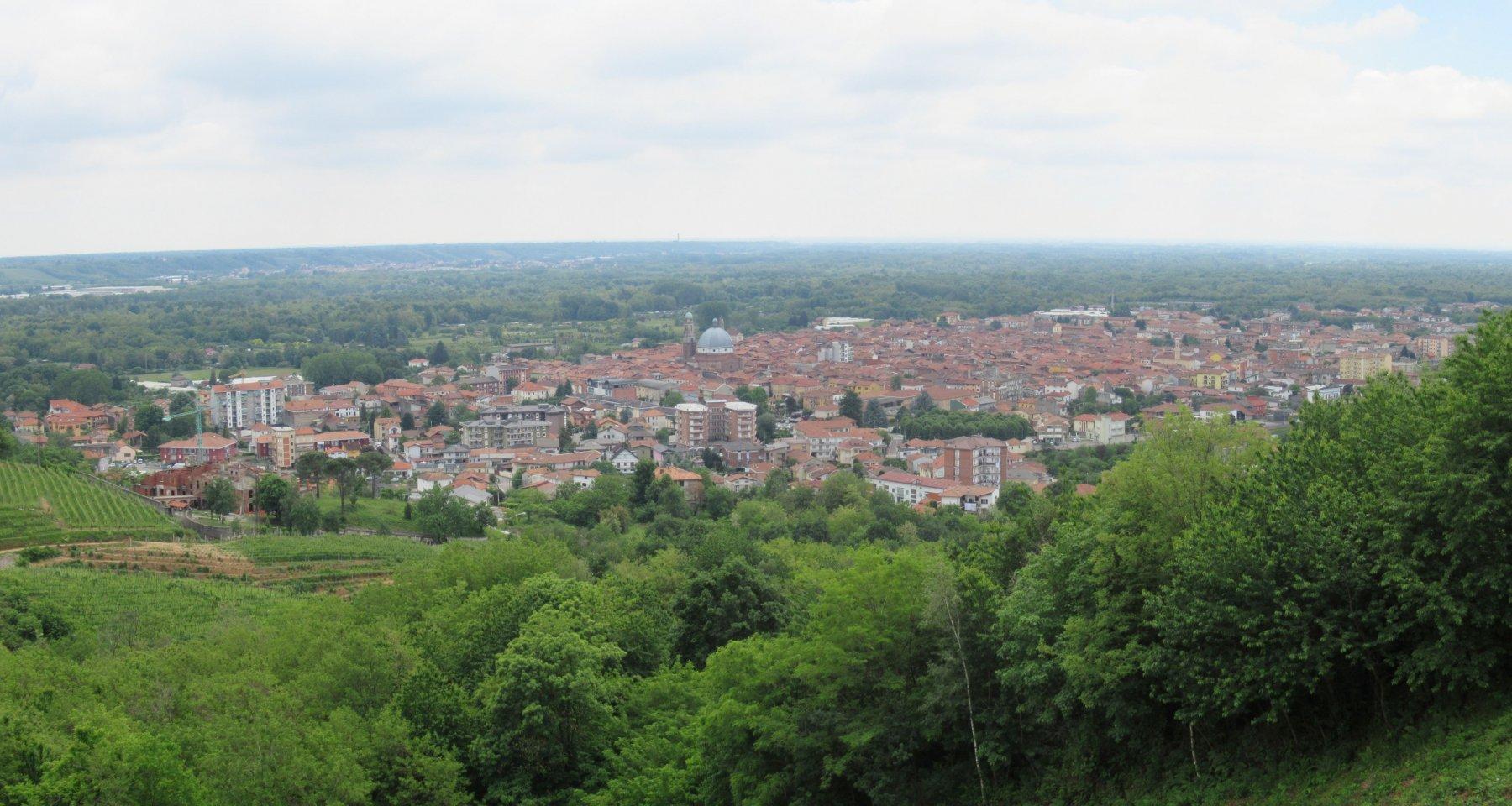 Panorama sull'abitato di Gattinara