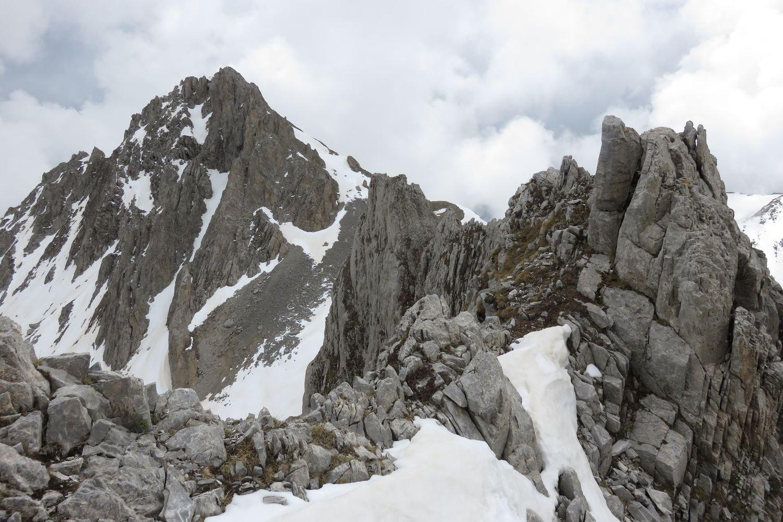 cresta verso il monte Salè seguita in discesa