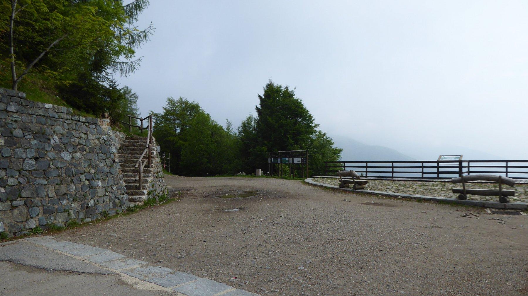 Bocchetto Sessera 1378 m. la scala dove comincia il sentiero