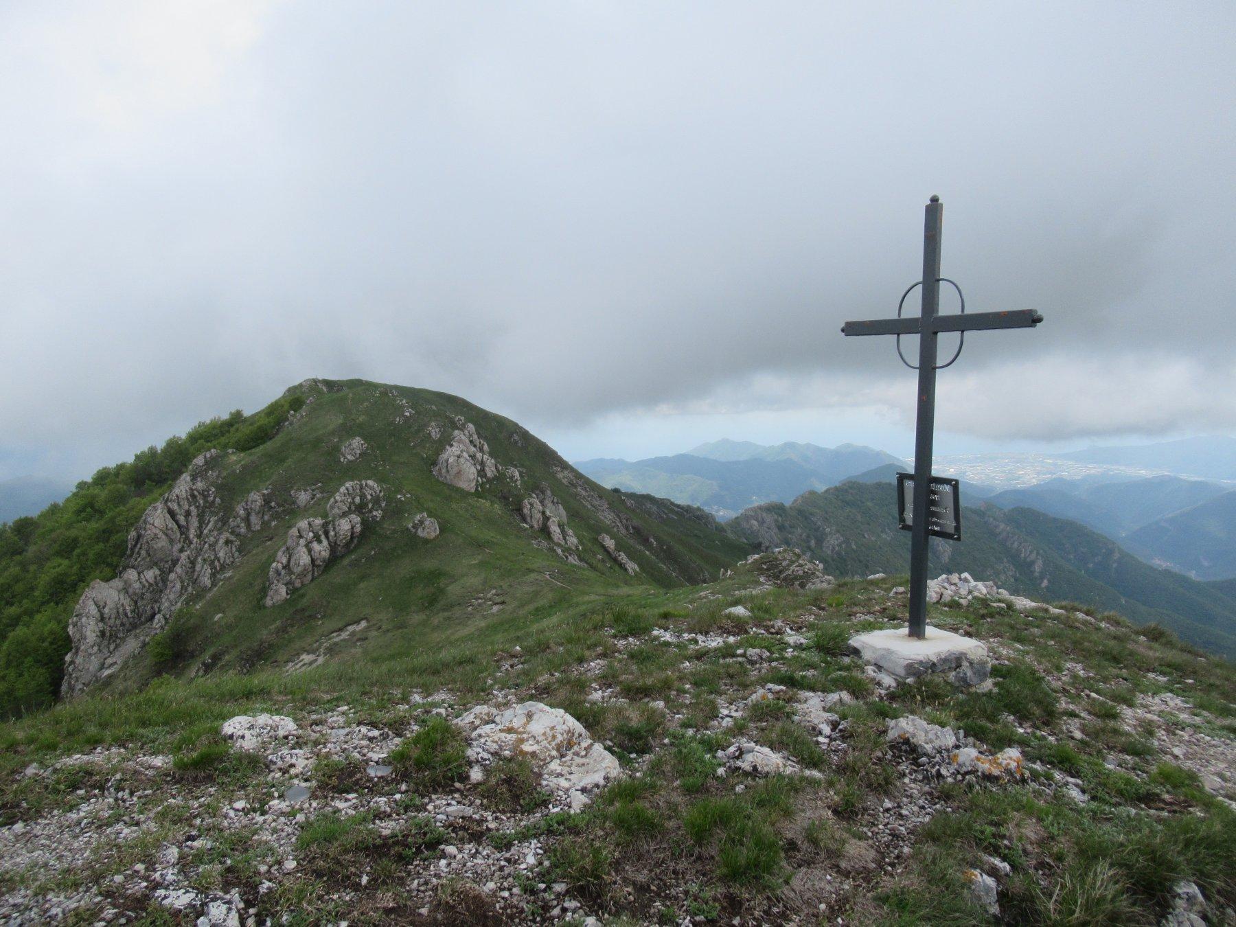 Monte Galero (m.1708) dalla cima ovest.