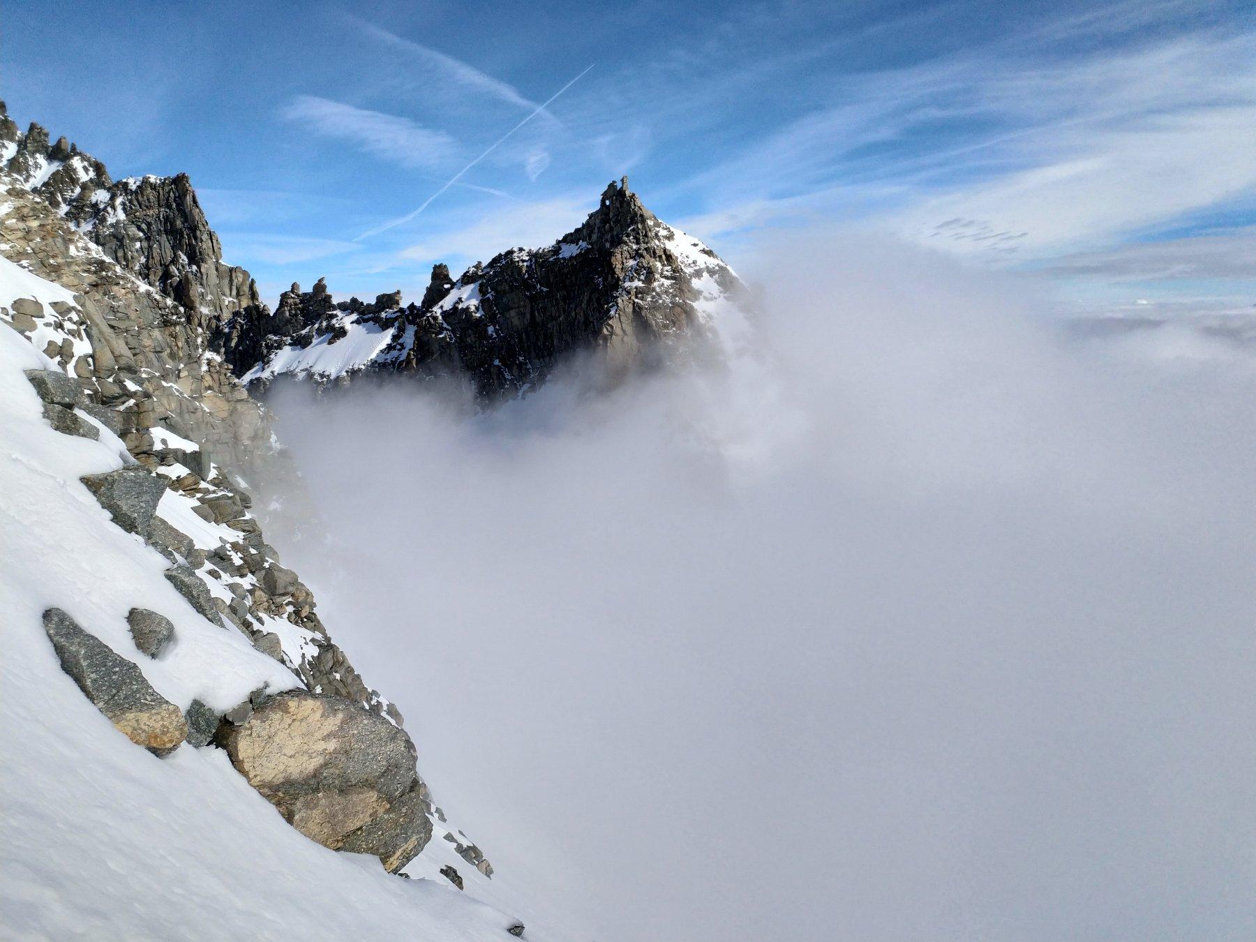 Poco sopra il c. Perduto. La Levannetta buca le nuvole