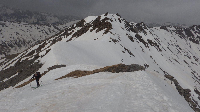 Arrivati al colle dove lasciamo gli sci