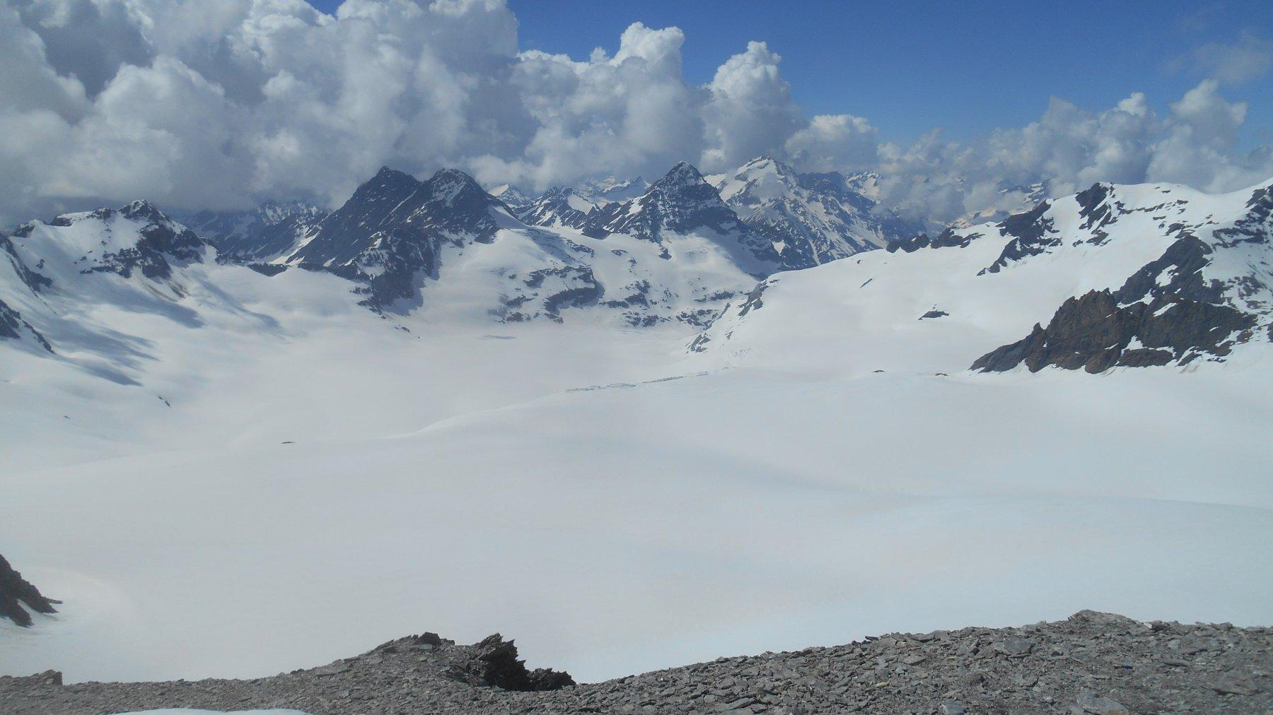 Panorama dalla vetta sui ghiacciai