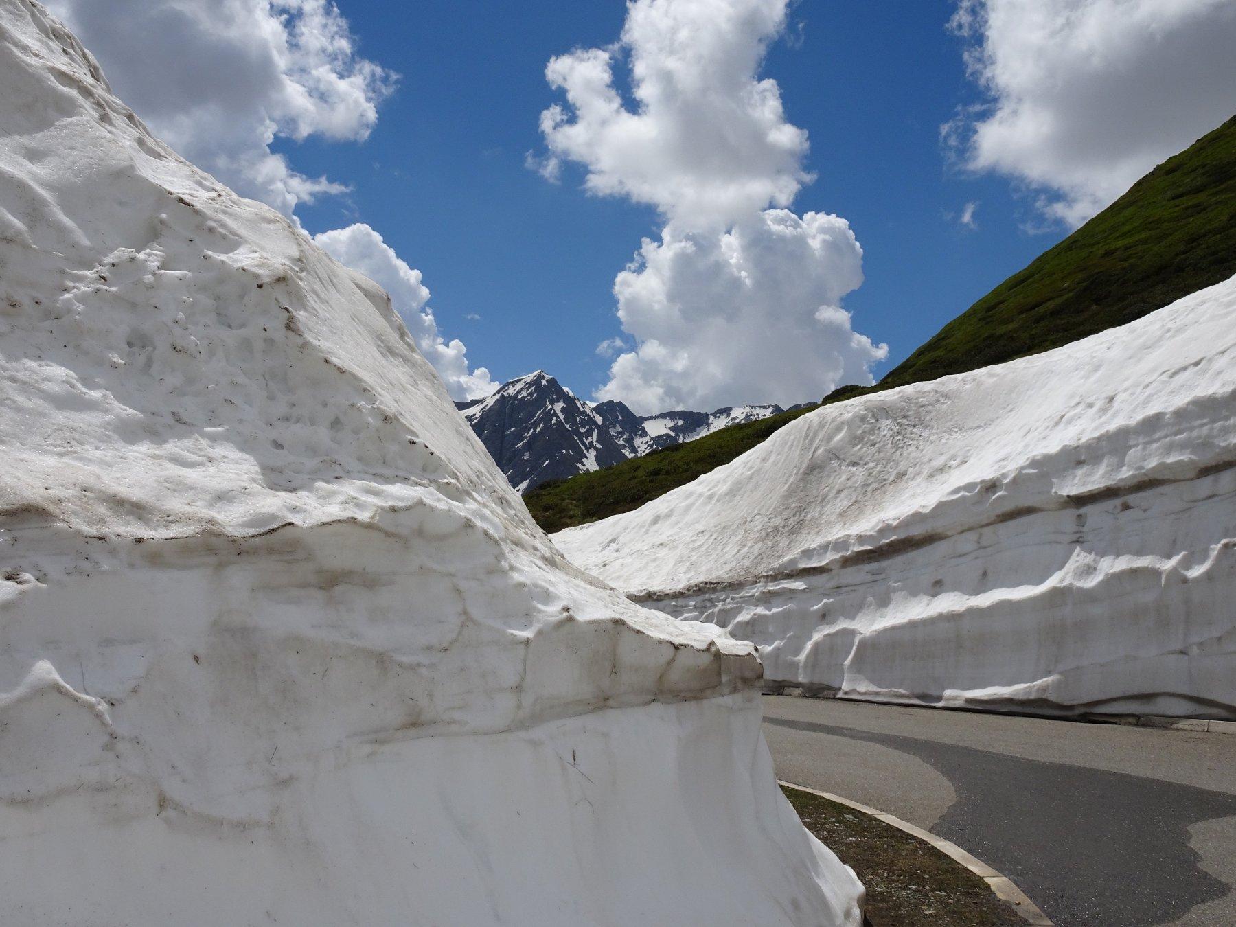 tanta neve fresata ma sui pendii inizia a scarseggiare