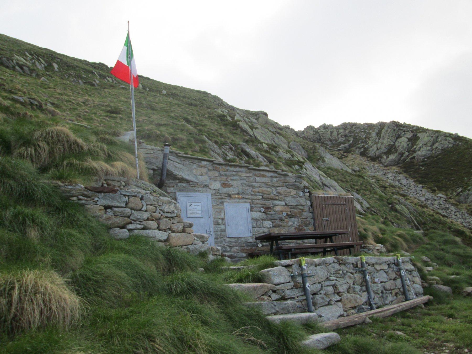 bivacco A.Cosa del Gruppo Alpini di Settimo Vittone posto poco sotto la Bocchetta del Mombarone