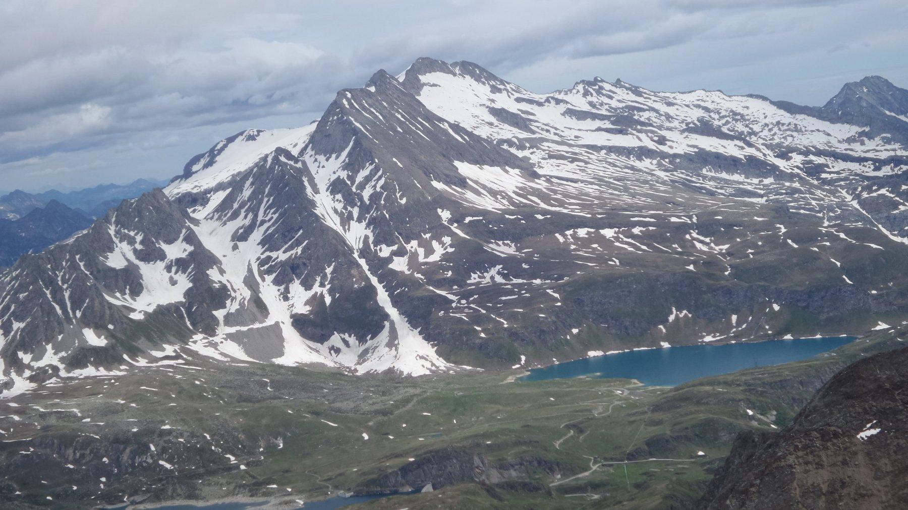 una bella visuale verso il Monte Basodino