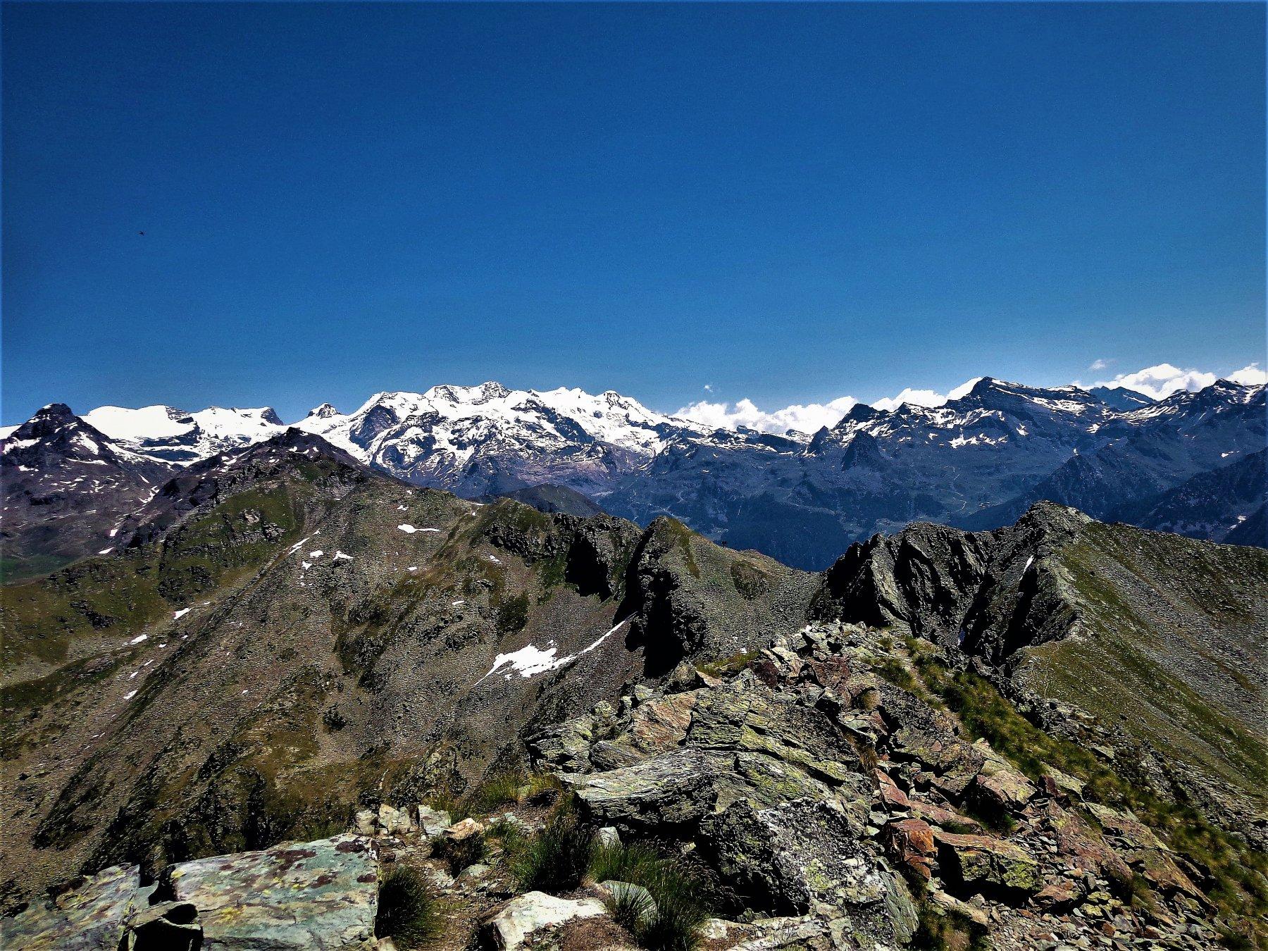 Dalla vetta verso il Monte Rosa