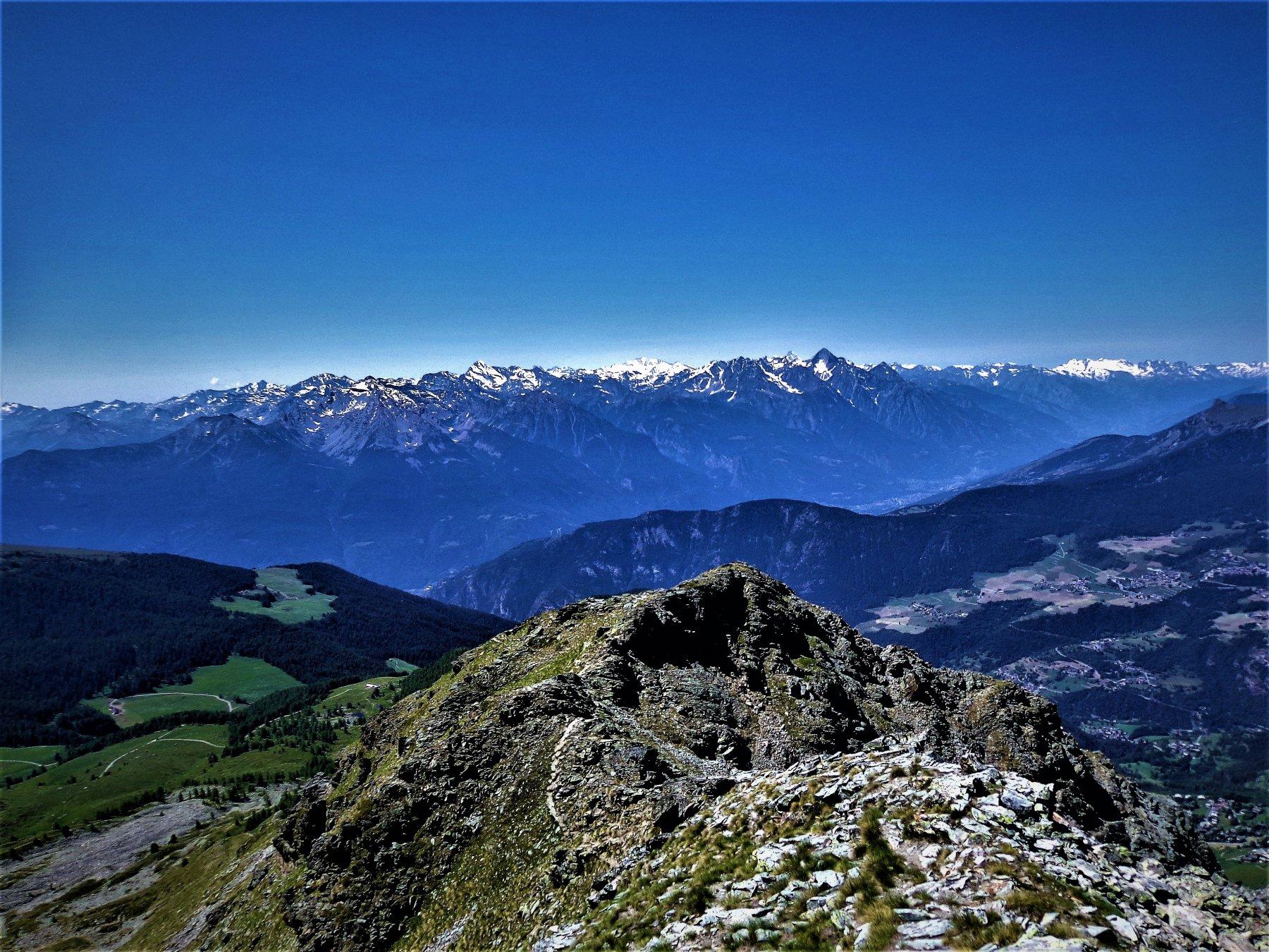 Panorama verso Gran Paradiso, Monte Emilius