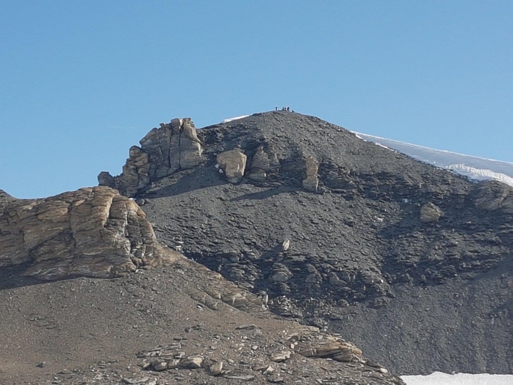 La cima del Tournelon Blanc vista dal colle a 3600