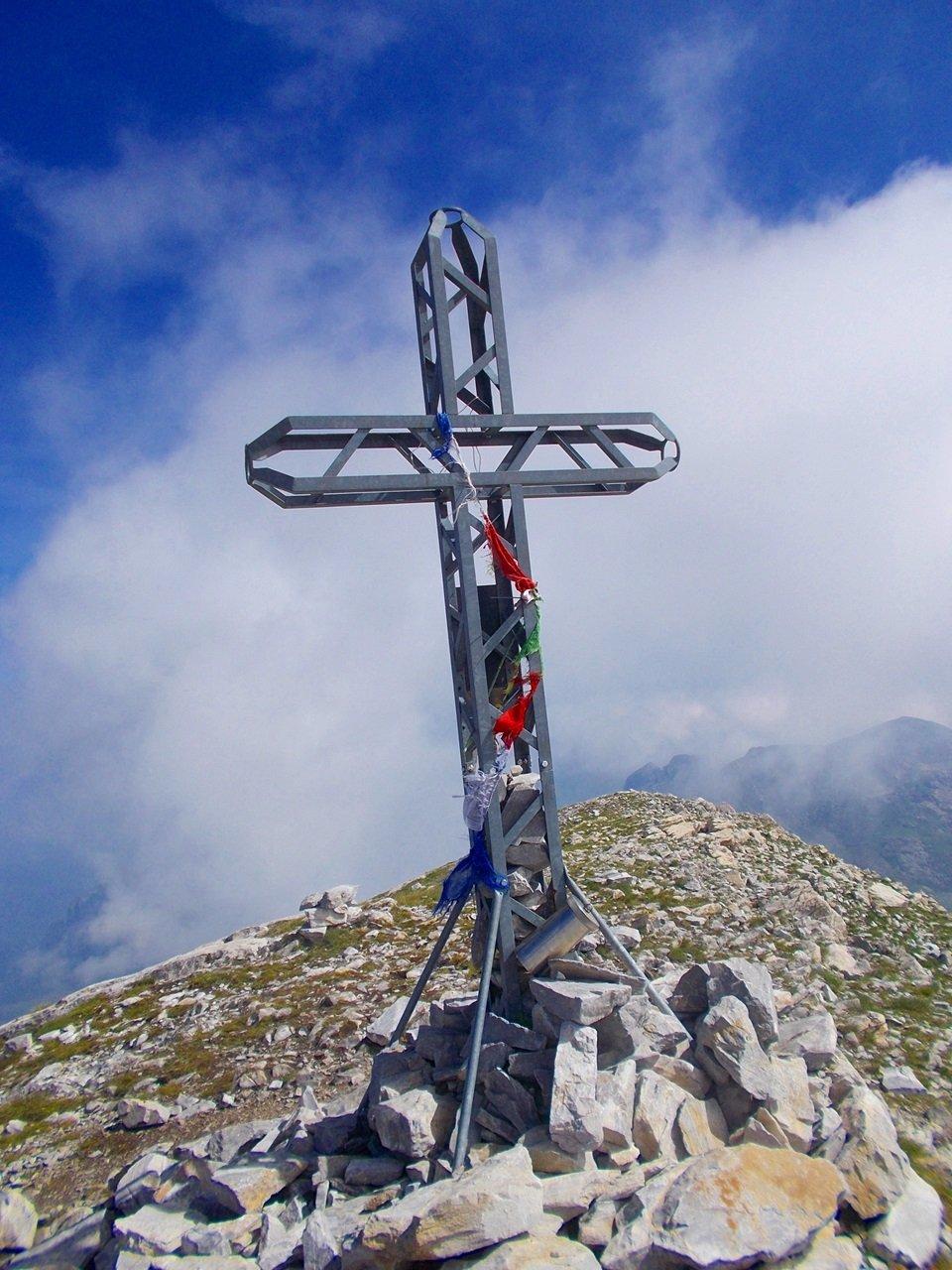 la croce di vetta sulla cima delle Saline