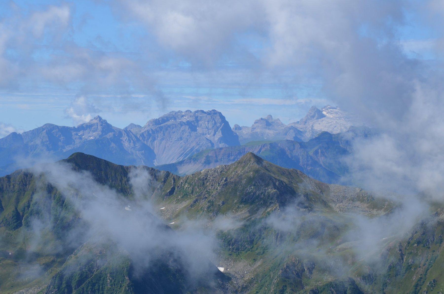 Gruppo del Brenta tra le nuvole