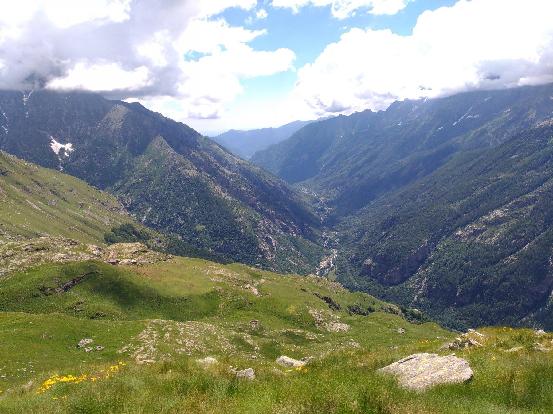 Vista della valle Orco arrivando al Gran Piano