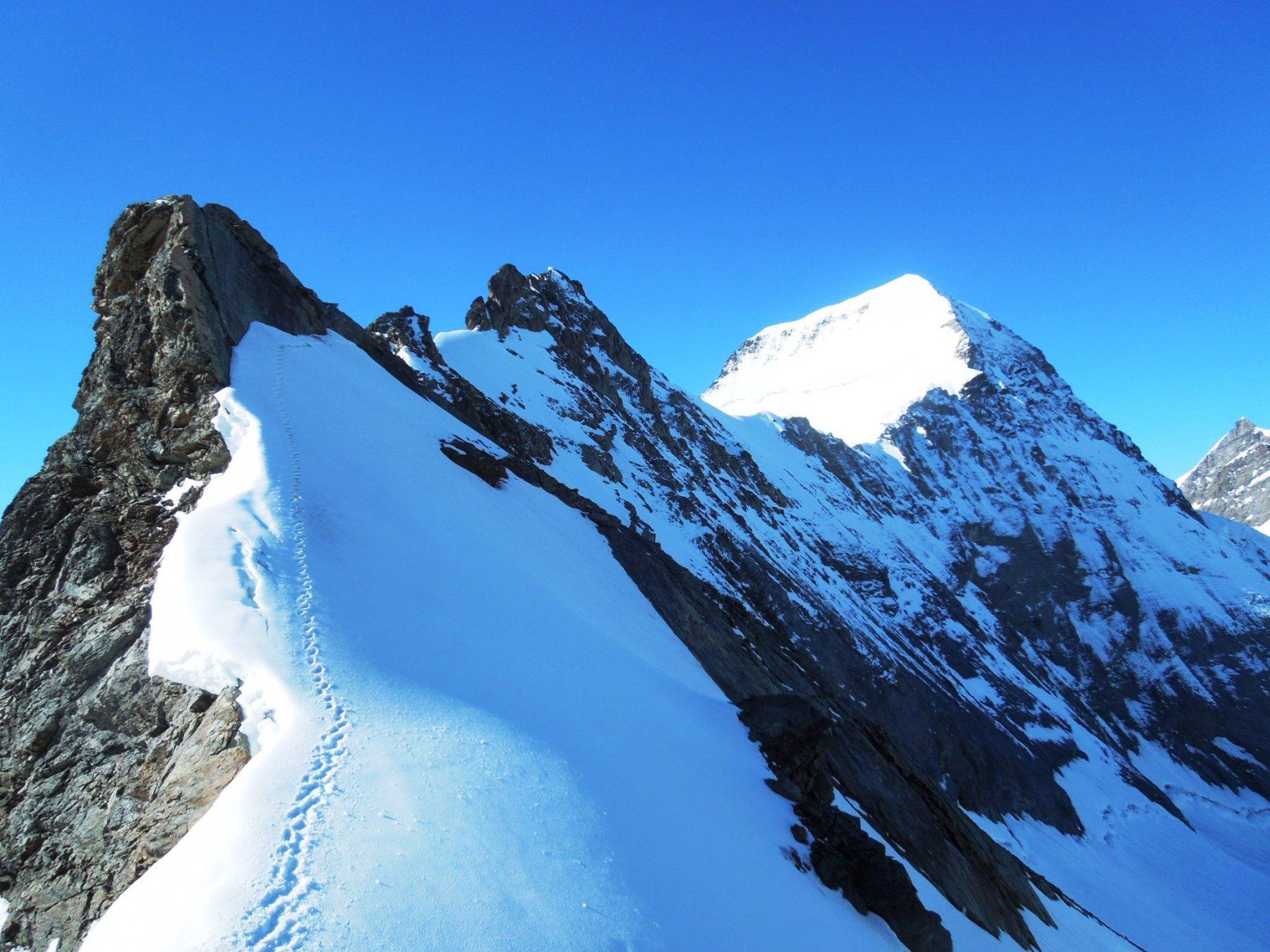 La risalita all'Eigerjoch Sud