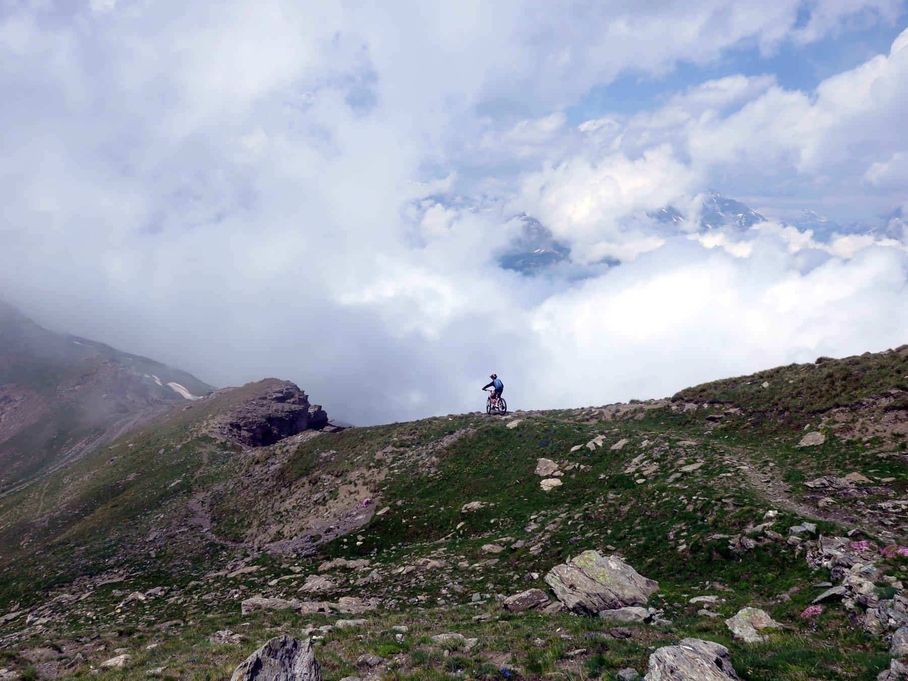 Strepitoso sentiero dalla cima verso il Gran Serin