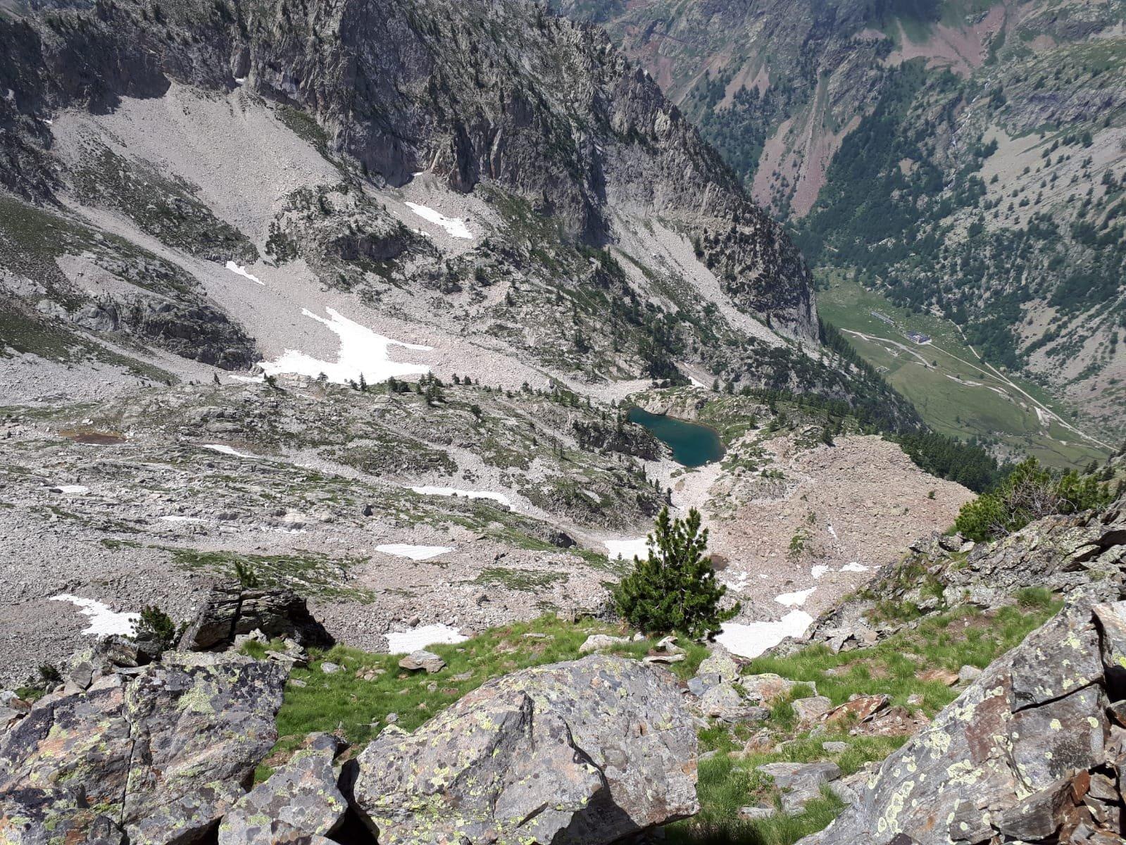 Il lago di Valcuca e il Valasco visti dalla cresta