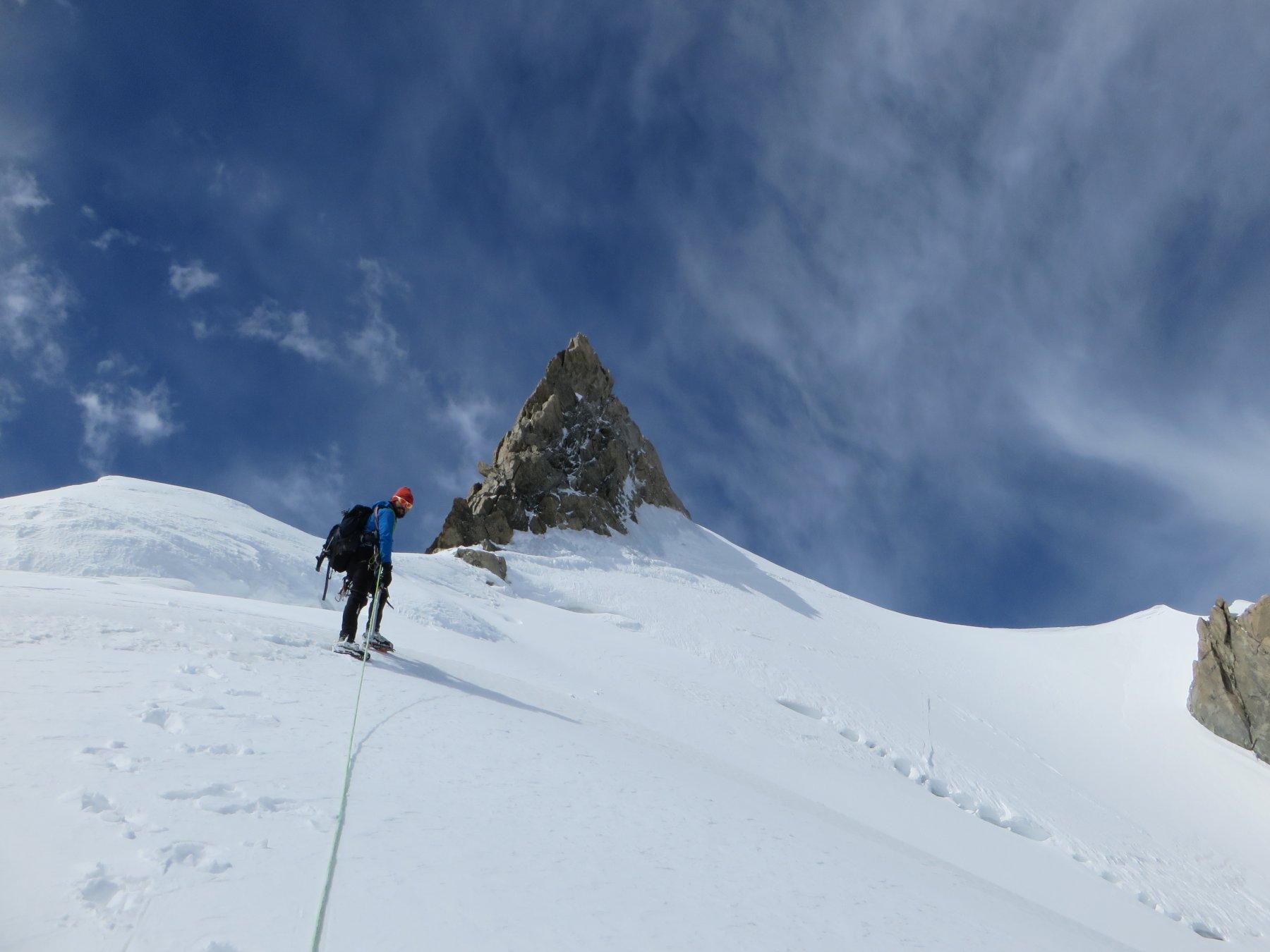 Ritracciando l'ultima parte della cresta nevosa