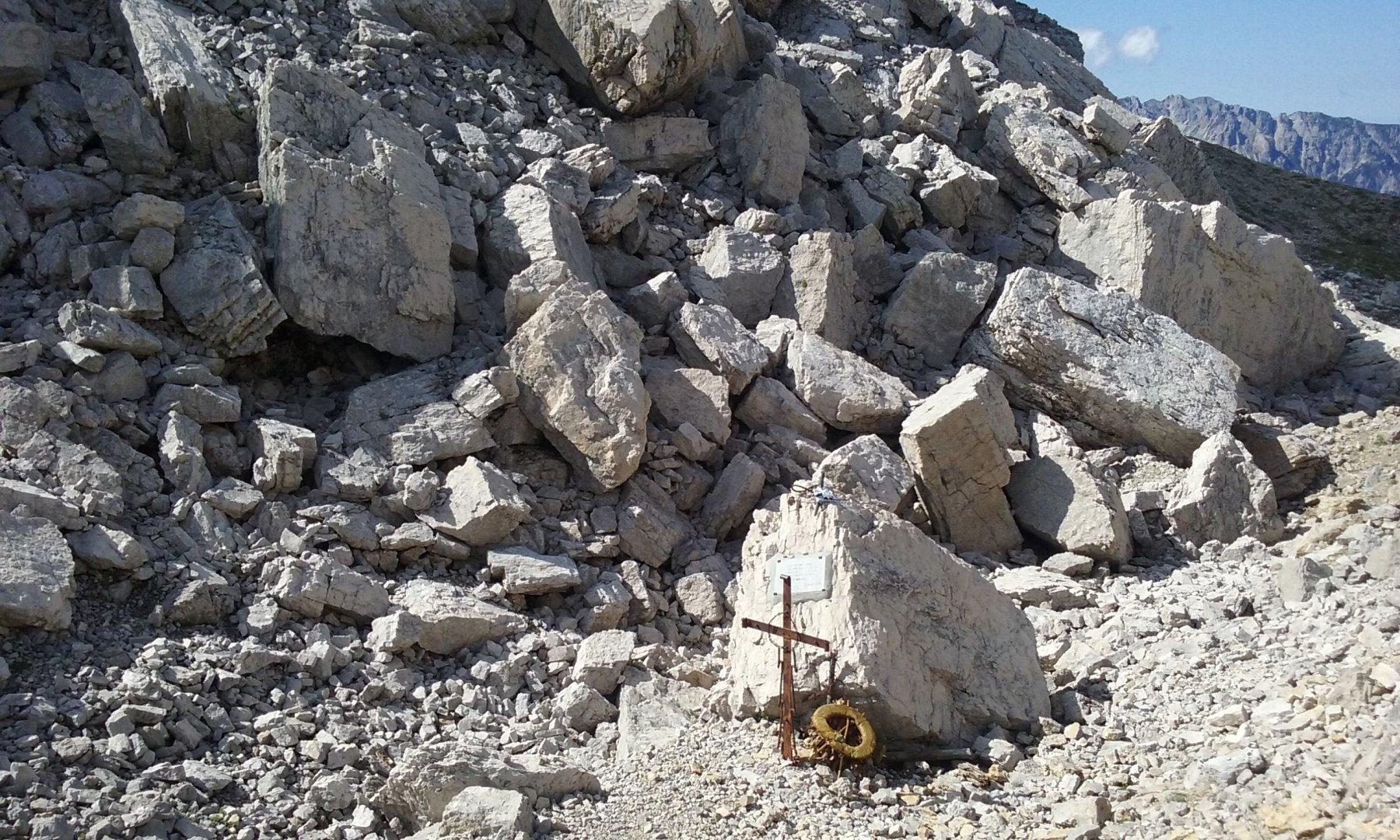il Dente Italiano devastato dallo scoppio delle mine austriache