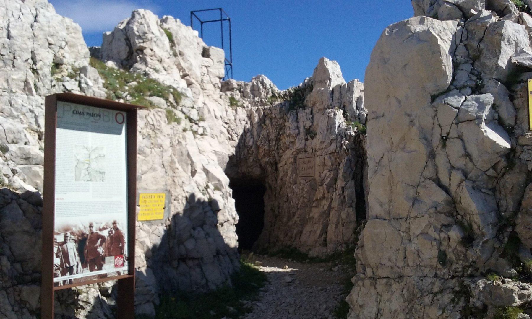 LA galleria Papa sotto la cima più alta del Pasubio,il Palon