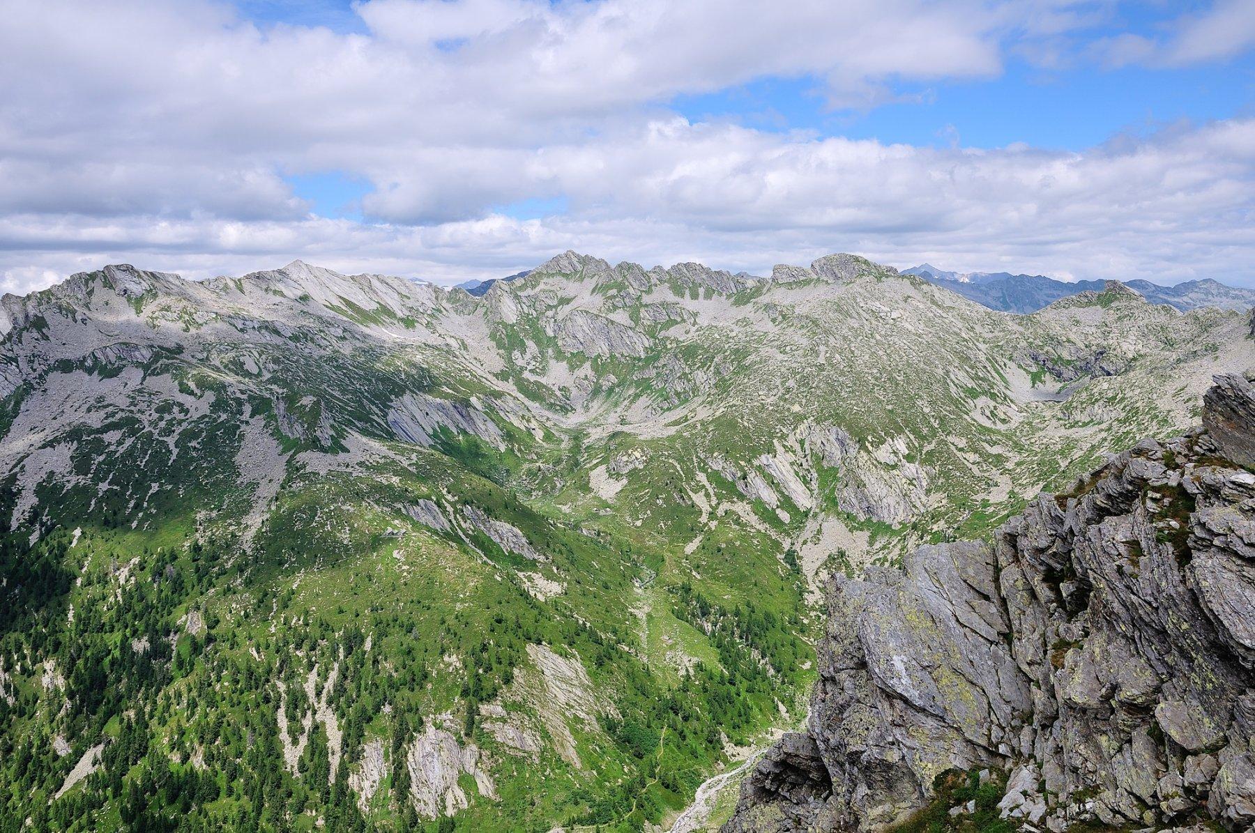 Vista di vetta versante Isorno