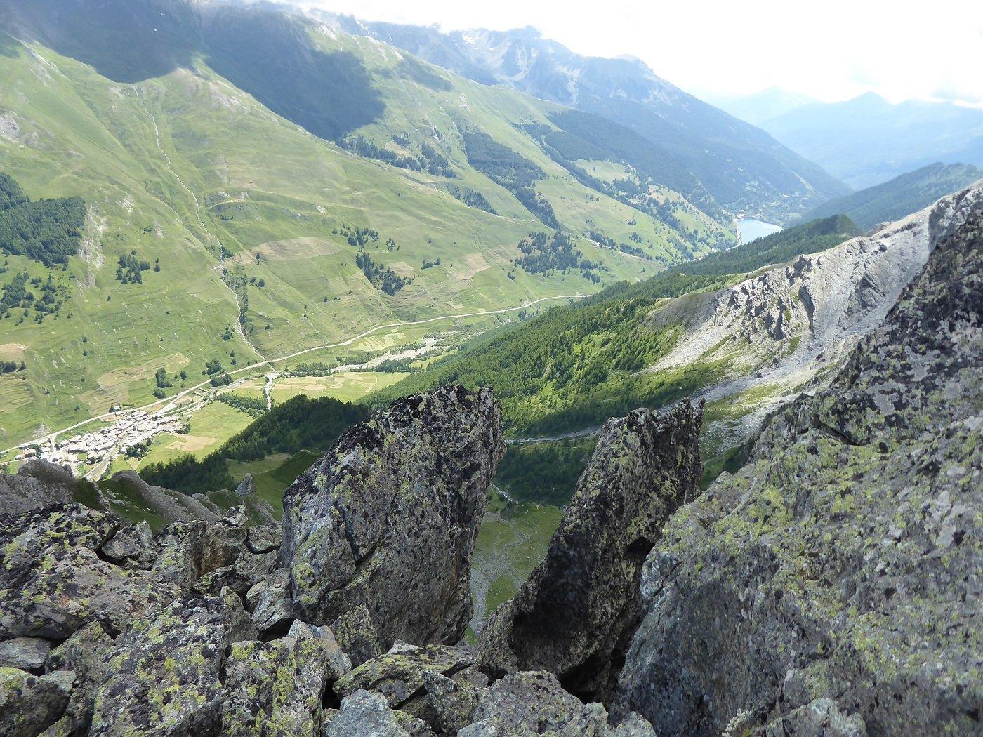 La Valle vista dai pressi della cima.